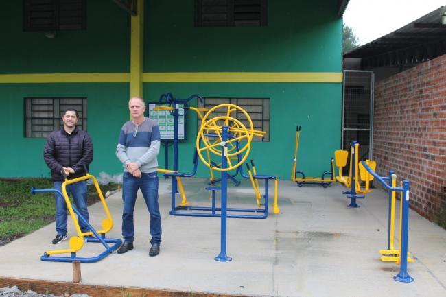Academias ao ar livre são instaladas em três localidades