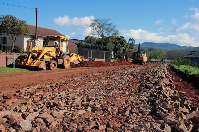 Obras de asfalto entre São Benedito e Saudade - 29jul20