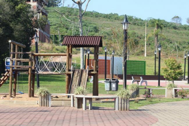 Prefeitura bloqueia Wi-Fi de praça e solicita que moradores evitem circulação e aglomerações