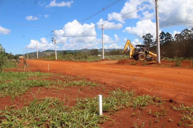 Prefeitura prepara Residencial Morro Azul para receber calçamento