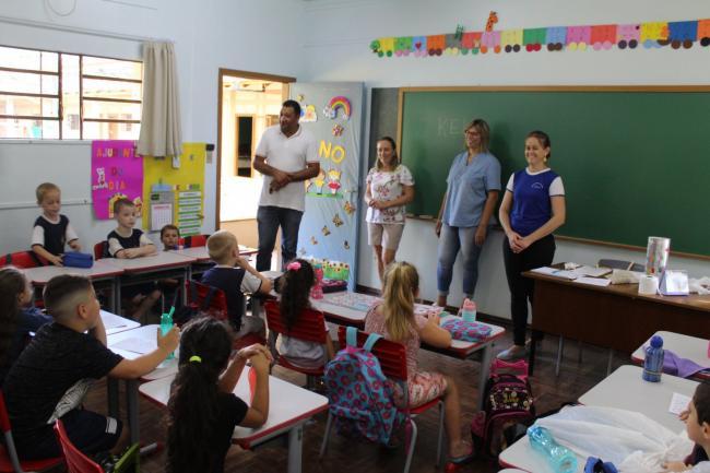 Volta às aulas: Emefs retornam atividades