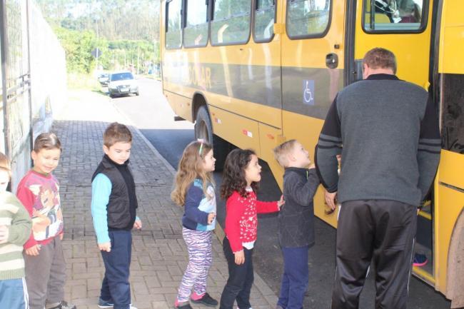 Carteirinha de Transporte Escolar disponível para retirada na Prefeitura