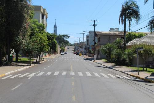 Ruas do Centro de Harmonia ficam vazias por conta do coronavírus