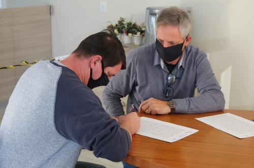 Prefeitura oficializa posse para empresasse instalarem na área Industrial de Morro Azul
