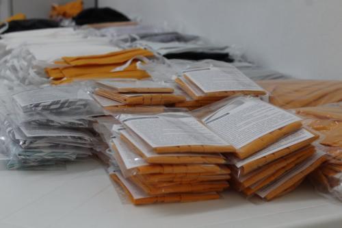 Mutirão em Harmonia produz mais de quatro mil máscaras